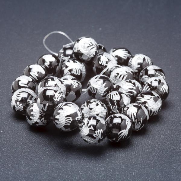 Бусины из натурального камня на нитке Серебристый дракон черный агат (пресс.) 14 мм