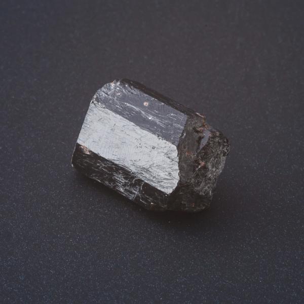 Камень руда Гранат всегда разный размер