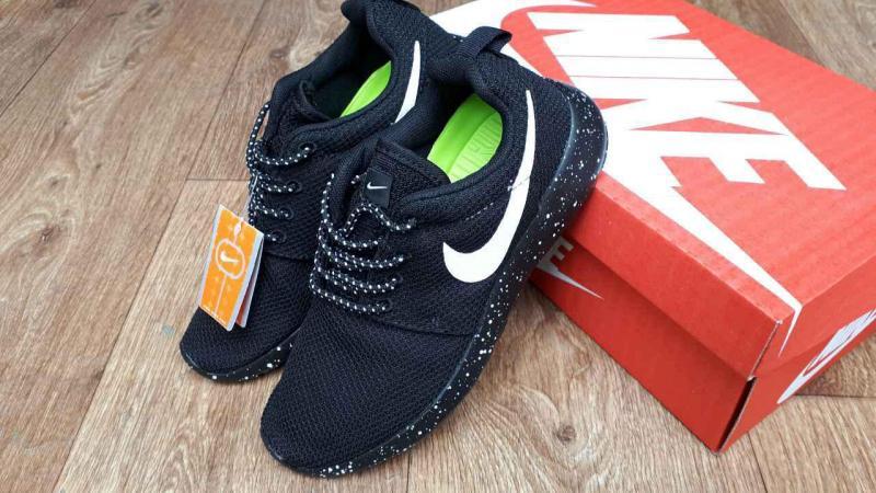 Фото СПОРТИВНАЯ ОБУВЬ Nike Roshe Run Black Space (36-40)