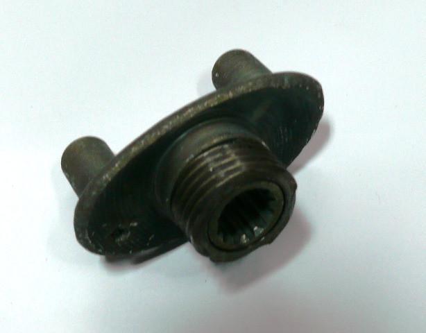 Вилка коробки с резьбой + шестерня привода спидометром