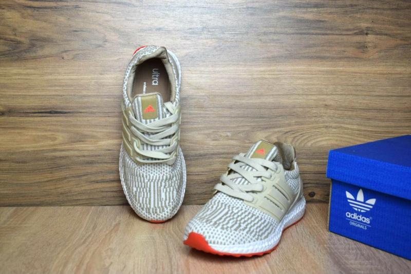 Фото  Adidas Ultra Boost Beige (36-41)