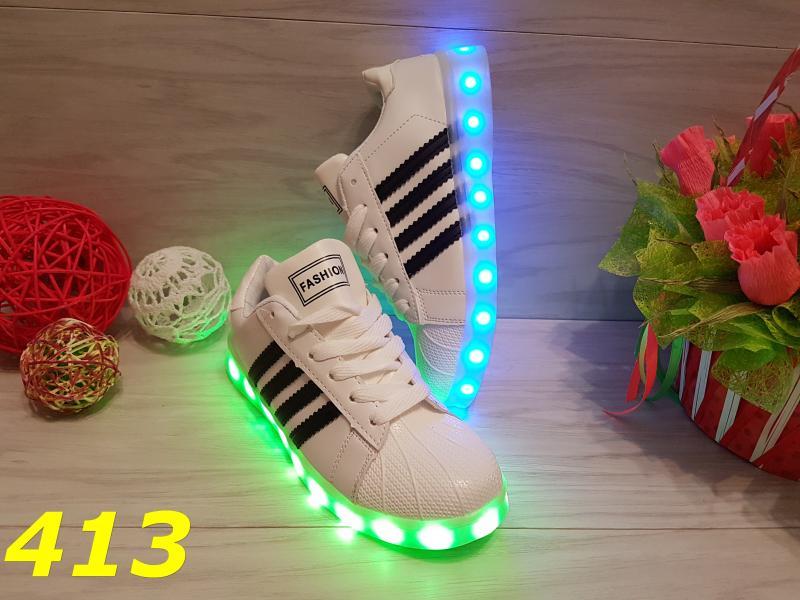 Кроссовки со светящейся подошвой LED белые с черными полосами