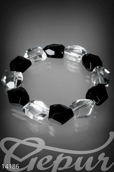 Браслет с кристаллами на резинке