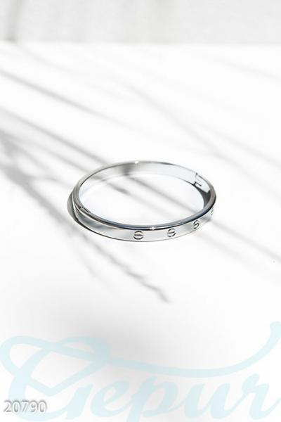 Лаконичный модный браслет