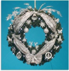 Фото Декорированные елки в офис, Серебрянная коллекция Комплект украшений  Венок украшенный 80 см Серебряная Сказка