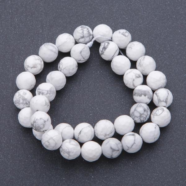 Бусины натуральный камень на нитке  d-10мм, L- 37см