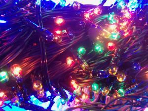 Фото Фонари и лампы, электрические гирлянды., электрические гирлянды Электрическая гирлянда ламповая на 140 лампочек.
