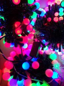 Фото Фонари и лампы, электрические гирлянды., электрические гирлянды Электрическая гирлянда шарик большая на 40 ламп.
