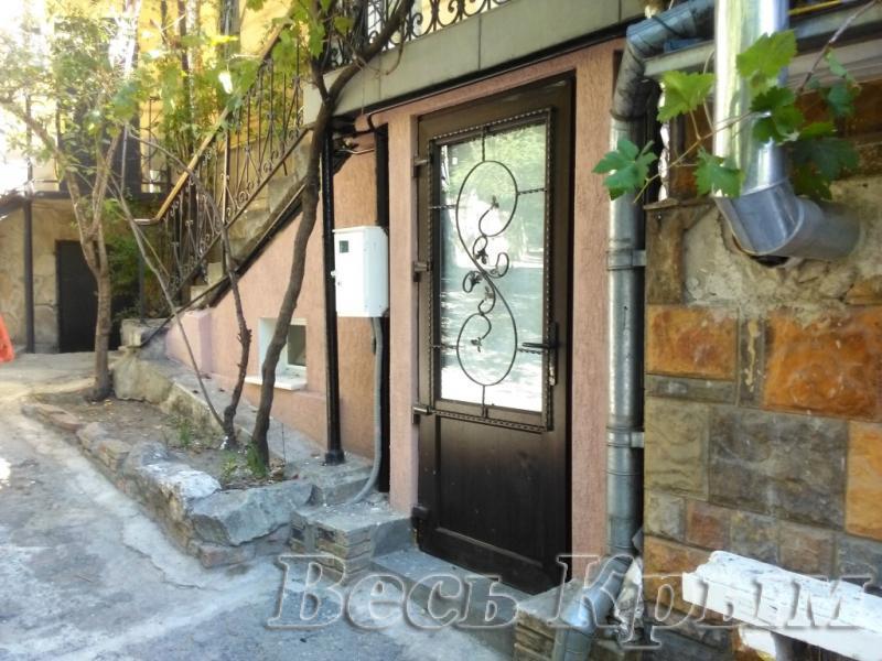 36 Аренда Ялта: 1 комнатные  апартаменты рядом с Набережной ул Садовая Жилье для отдыха в Ялте