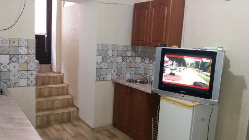 Фото  36 Аренда Ялта: 1 комнатные  апартаменты рядом с Набережной ул Садовая