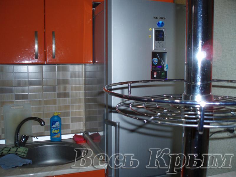 37 Аренда Ялта: 1 комнатные  апартаменты ( красная кухня ) рядом с Набережной ул Свердлова Жилье для отдыха в Ялте