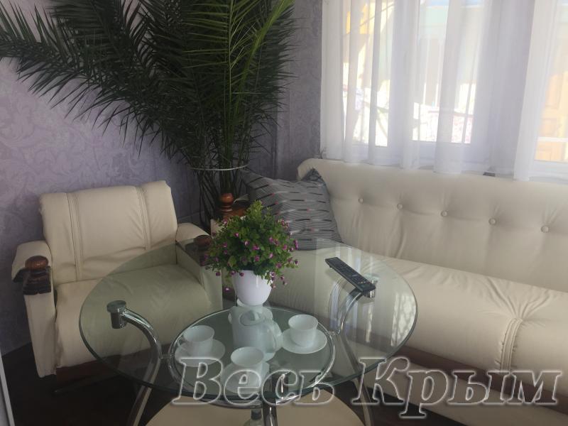 41 Аренда Ялта: 1 комнатные   апартаменты ( с террасой  ) Свердлова с Набережной  Жилье для отдыха в Ялте