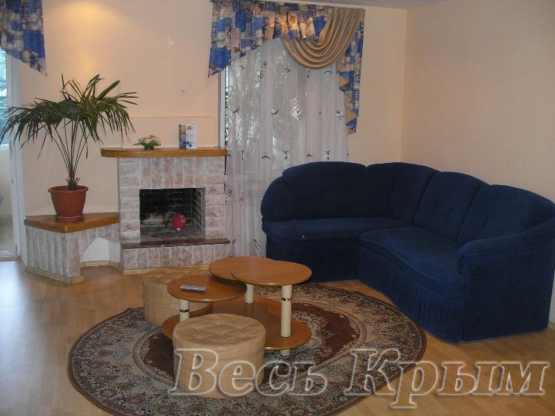 44  Аренда Ялта: 2-х комнатные  апартаменты ( сауна) ул Игнатенко  рядом с Набережной