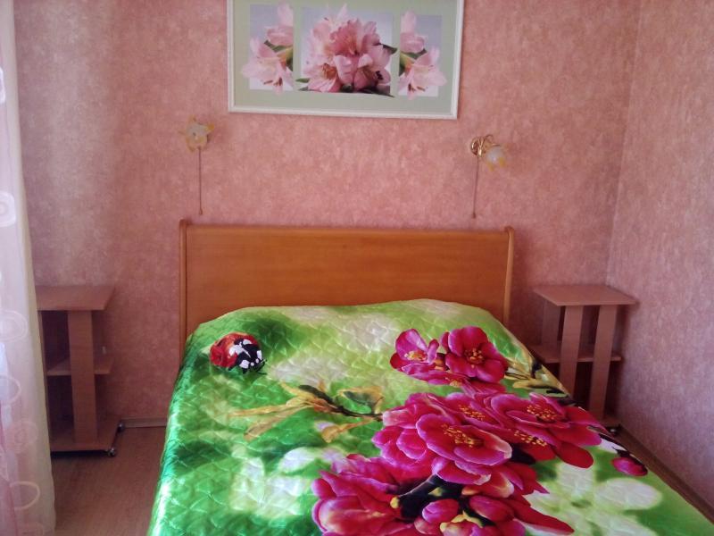 Фото  30  Жилье посуточно  Ялта: 2-х комнатные  апартаменты  2+1 ( Лена ) ул Садовая   рядом с Набережной парковка