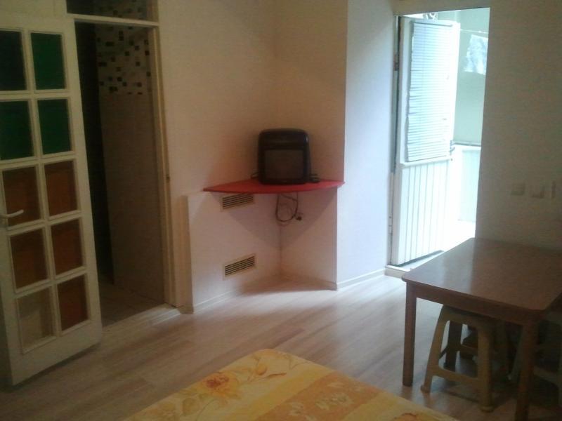 28  Аренда Ялта: 1-х комнатные  апартаменты ( Оксана ) ул Свердлова   рядом с Набережной