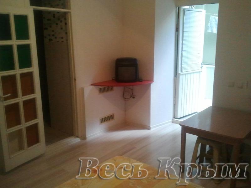 28  Аренда Ялта: 1-х комнатные  апартаменты ( Оксана ) ул Свердлова   рядом с Набережной  Жилье для отдыха в Ялте