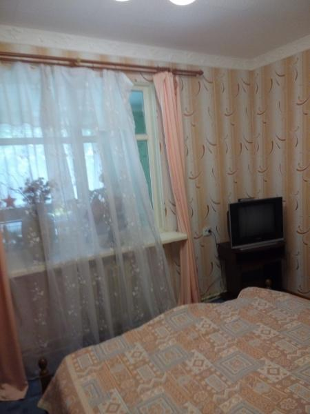 29  Аренда Ялта: 2-х комнатные  апартаменты ( Рома) ул Фонтанная   рядом с Набережной