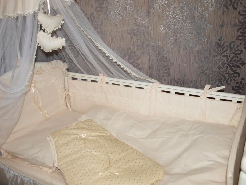 Набор в кроватку королевский