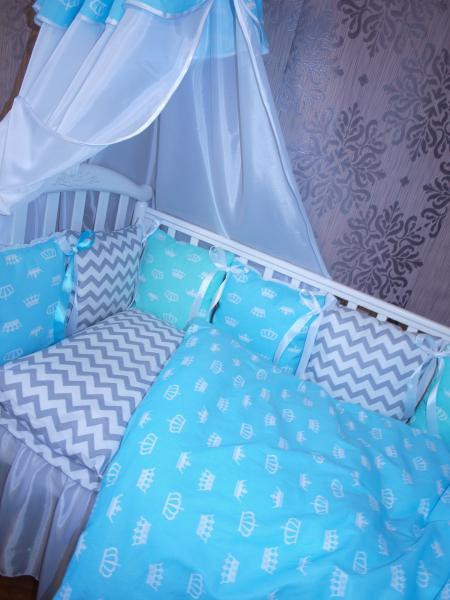 Набор в кровать подушечка
