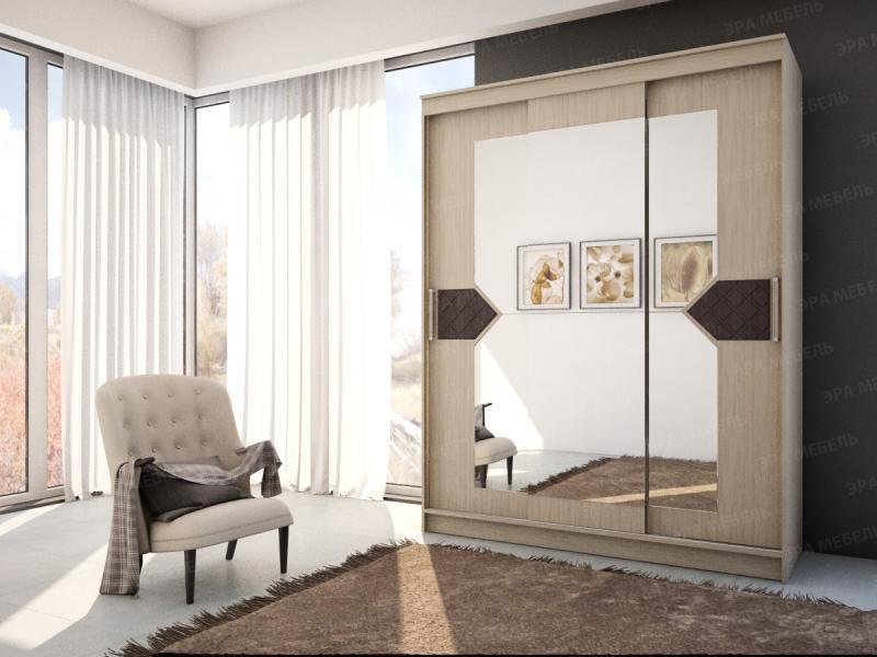 Шкаф-купе с зеркалами в центральном отсеке и декором. Венге/лиственница светлая