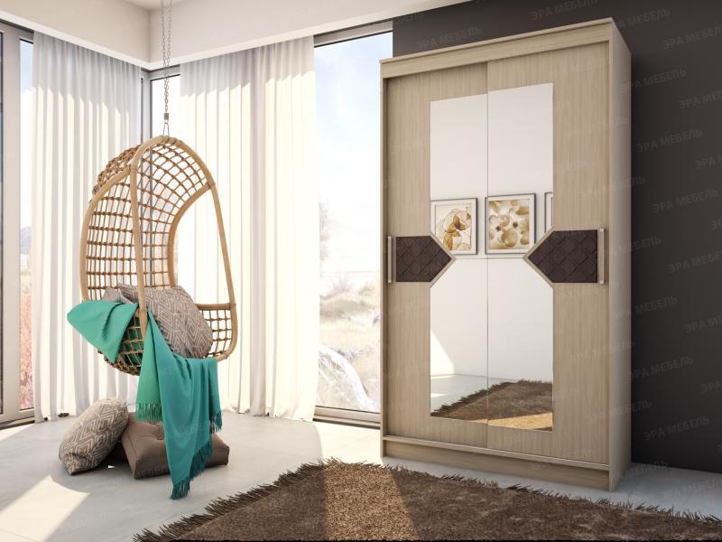 Шкаф-купе с зеркалами в центральном отсеке и декором.Ясень шимо светлый/лиственница тёмная