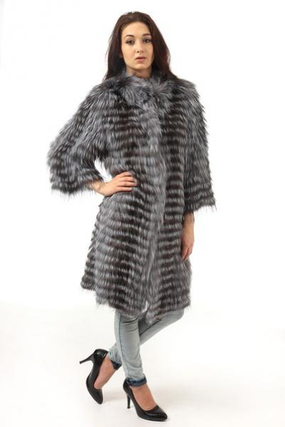 Чернобурка вязаное пальто