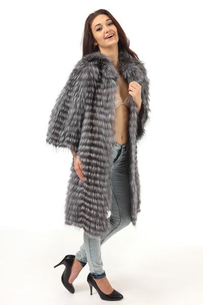 Фото Шубы из чернобурки Чернобурка вязаное пальто
