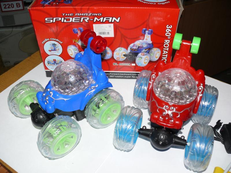 Перевертыш машинка, красная, синяя с музыкой и подсветкой, 18 см, № 46000
