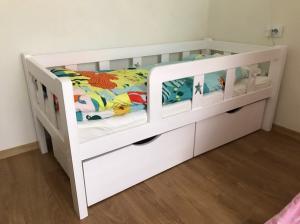 Фото  Детская кроватка Забава