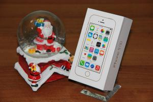 Фото  iPhone 5S 16GB Space Gray Восстановленный(как новый)