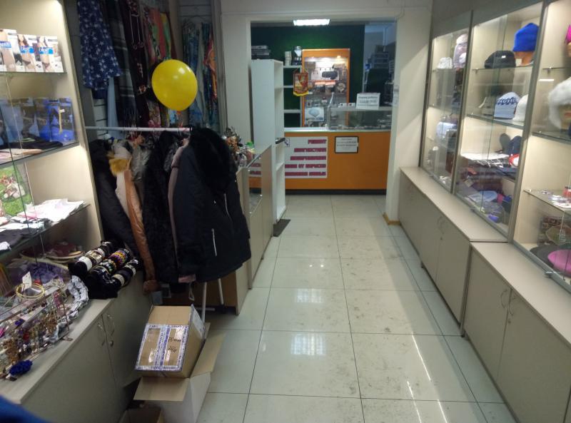 Фото Наши магазины 2. Пункт  продаж ул. Белы Куна, дом 2, к 1 (полки в магазине Скупка, Ремонт часов, Дезсредства ) .