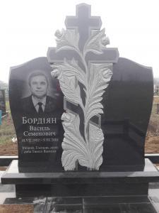 Фото Вертикальные памятники Памятник на двоих с крестом в розах
