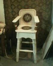 Фото  Высокий стул для детей