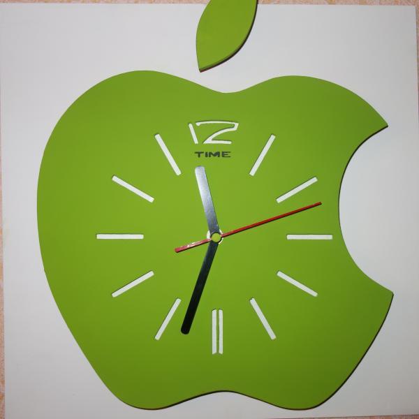 Настенные часы Зеленое яблоко