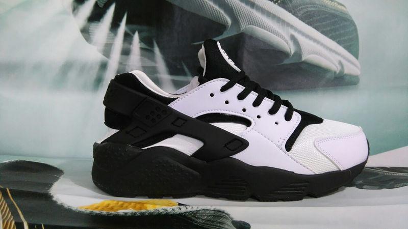 Фото  Nike Air Huarache White Black (36-39)