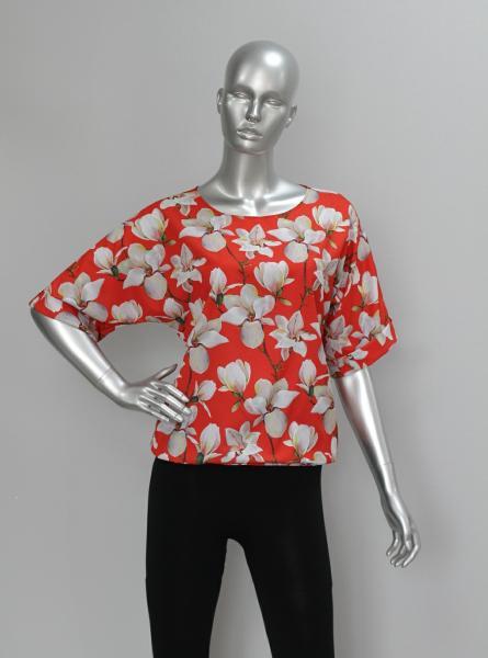 Фото Блузы Блуза A36.1 Лилии на красном