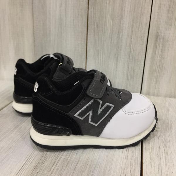 Кроссовки детские New Balance черно-белые