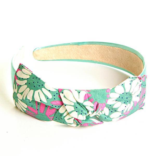 Обруч для волос с бантом обтянут тканью, зелёный с розовыми цветами