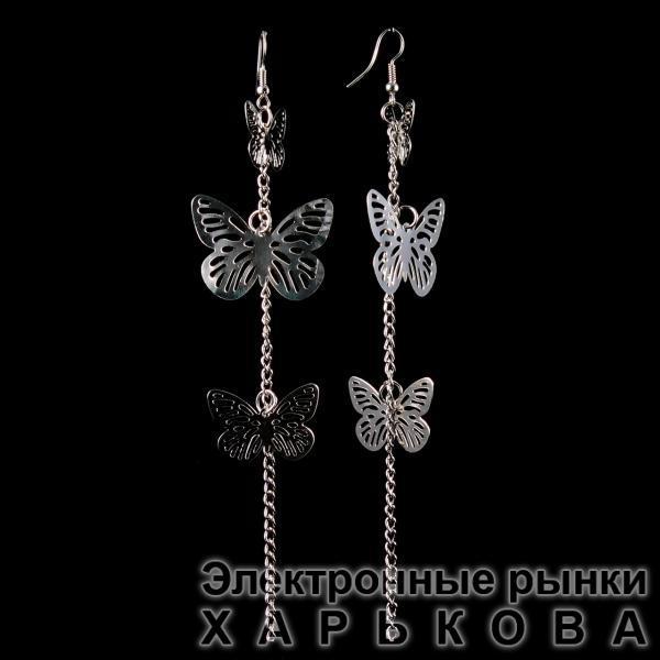 """Серьги-петля-подвески из трёх пар ажурных бабочек разного размера, на цепочке\под """"серебро""""\ 150мм - Серьги на рынке Барабашова"""