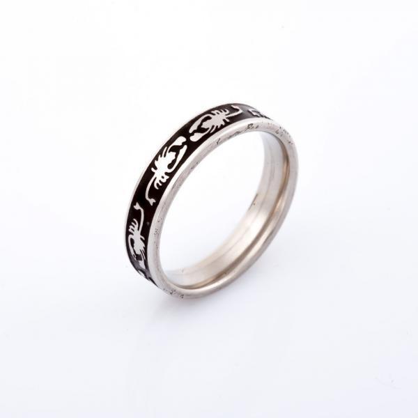 Кольцо Царь скорпионов серебристое  р-р 17-21