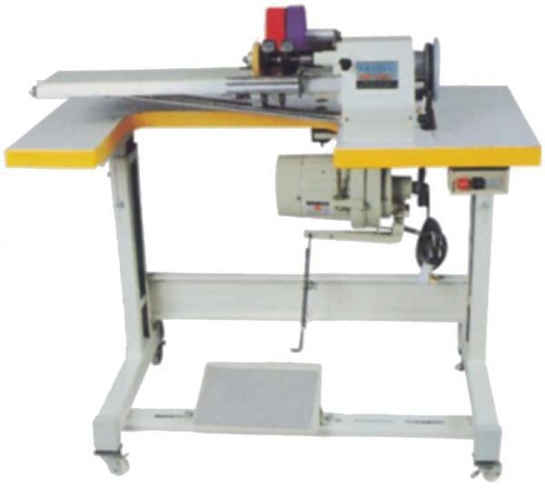 Машина для нарезания трикотажной бейки с одним ножомМашина предназначена для одновременного изготовления одной ленты бейки из ткани или трикотажа, сшитой в рукав.Технические характеристики:Окружность раскраиваемого чулка 90~200 смДлина чулка