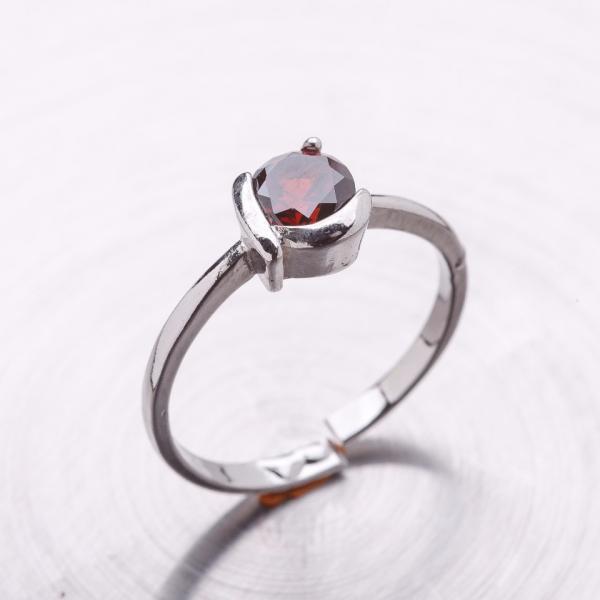 Кольцо помолвочное серебристое с цирконием (имитация) без р-р
