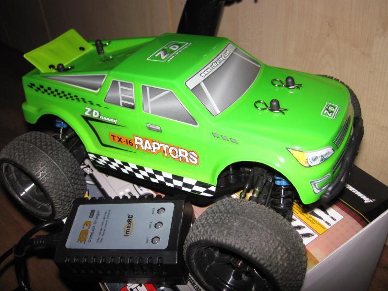 Машинка трагги радиоуправляемая масштаб 1/16 , ZD Racing TX-16. Длина 28 см, скорость 50 км/ч.
