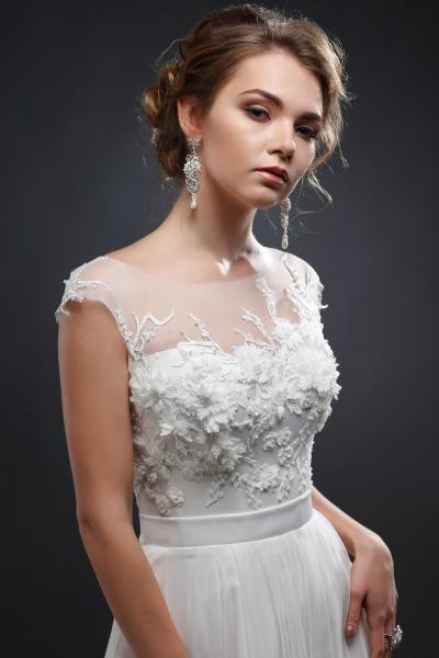 Легкое летнее свадебное платье Аврора