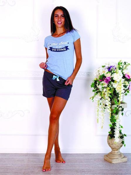 Пижама женская с футболкой и шортами