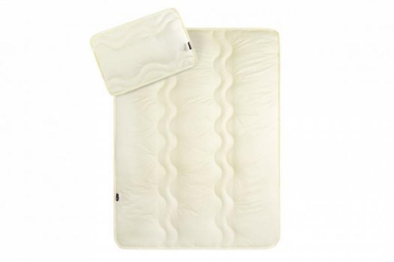Набор в кроватку: Одеяло и подушка