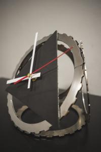 Фото  Настольные часы