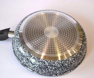 Фото Сковороды и сотейники с антипригарным покрытием Сковорода без крышки EDENBERG d 24 см EB-9154