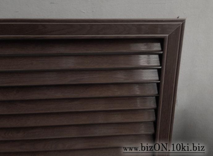 Решетка пластиковая   600 х 600 мм;   цвет - Каштан;   для радиаторов отопления и декора
