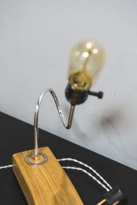 Фото  Настольная лампа